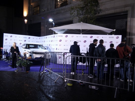 range rover evoque in kensington - red carpet